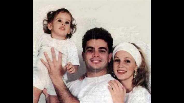 عمرو دياب وزوجته السابقة وابنتهما نور
