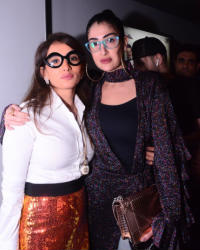 """37 صورة لأبطال """"كارما"""" في عرضه الخاص... نظارات زينة وغادة عبد الرازق تلفت الانتباه"""