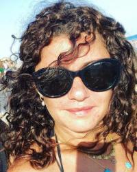 النجوم × أسبوع- منة فضالي تواجه الطقس الحار في حمام السباحة وإيمان العاصي وشبه كبير بينها وبين شقيقتيها ولوك جديد لأحمد مجدي