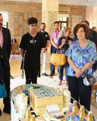 ۱۰ صور- أحلام وعائلتها في ضيافة ملكة الأردن