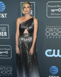 25 صورة- نجوم ونجمات هوليوود يتألقون على السجادة الحمراء في Critics' Choice Awards