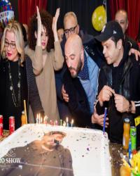 """24 صورة- الاحتفال بعيد ميلاد مجدي الهواري في كواليس مسرحية """"3 أيام في الساحل"""""""