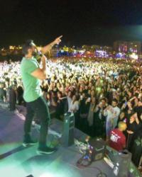 تامر حسني يتألق في حفله بالرياض