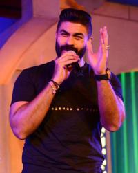 خالد سليم في حفل كامل العدد بالمسرح المكشوف في دار الأوبرا المصرية