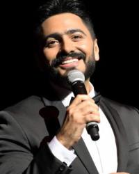 تامر حسني يتألق في أولى حفلاته الغنائية بأوبرا دبي