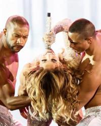 غناء ورقص واستعراضات جينيفر لوبيز في مصر