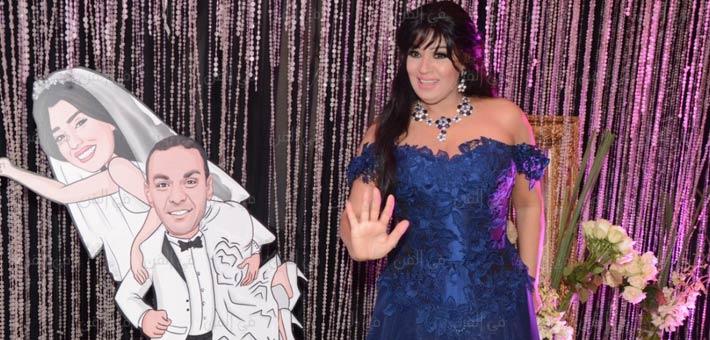 4a541d89e6183 بالصور- أجمل فساتين الفنانات في حفل زفاف آيتن عامر