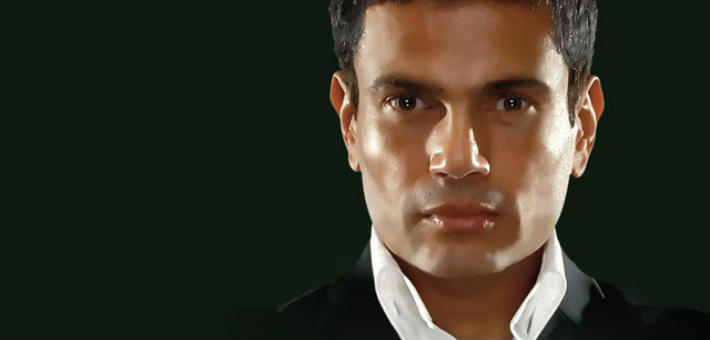 """عمرو دياب على غلاف """"كمل كلامك"""""""