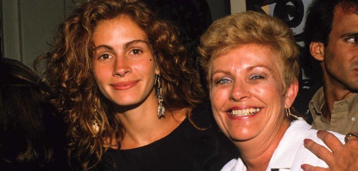 جوليا روبرتس ووالدتها