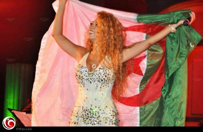 ميريام فارس بعلم الجزائر