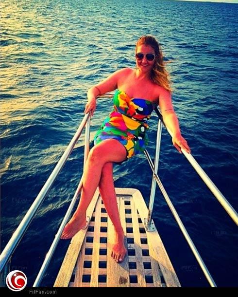 غادة عبد الرازق في قاربها