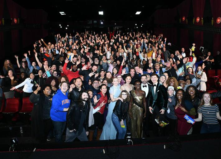 جيمي كيميل ونجوم هوليوود يفاجئون الجمهور