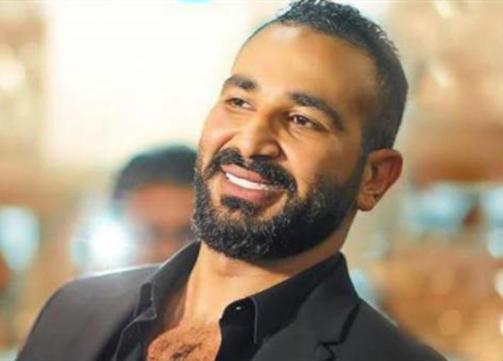 بالفيديو- أحمد سعد يغني اعتراضا على ارتفاع أسعار البنزين