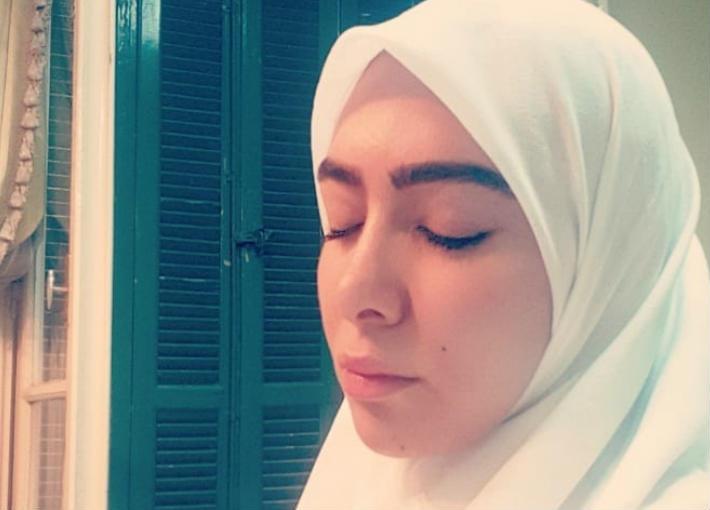 ميرهان حسين بالحجاب