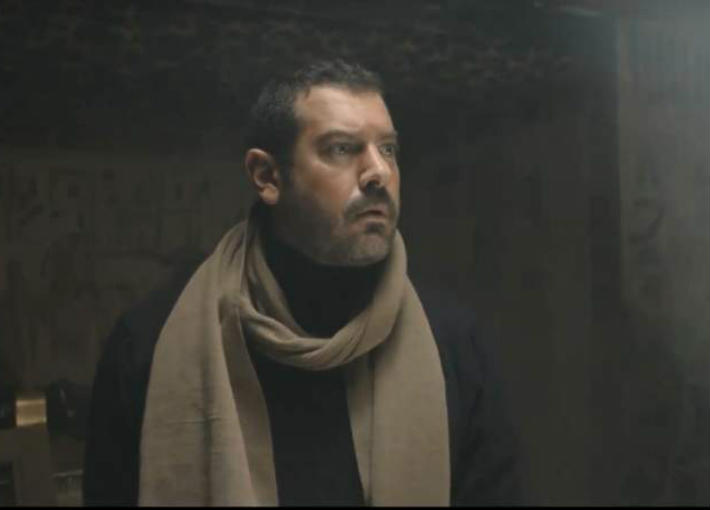 """عمرو يوسف في """"طايع"""""""