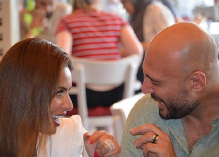 صورة- مي سليم ووليد فواز يشتريان خاتم الزواج