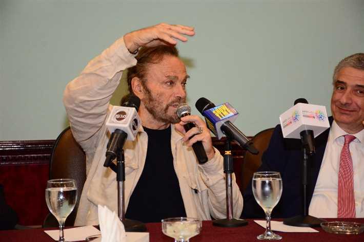 فرانكو نيرو يكشف سر موافقته على المشاركة في فيلم كوينتن تارانتينو