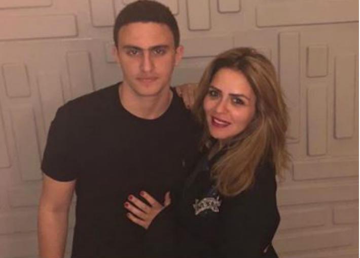 ياسين السقا ووالدته مها الصغير