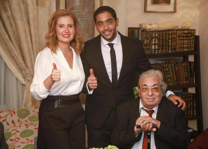 بالفيديو- نصيحة فاروق فلوكس لأبنه وزوجته هنا شيحة