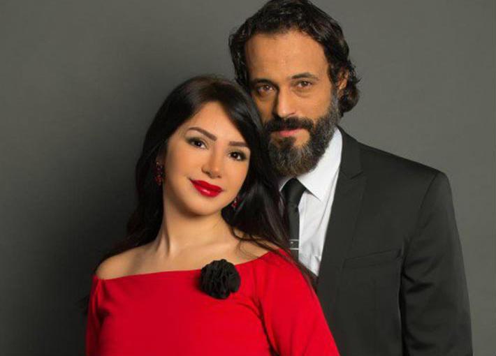 يوسف الشريف وزوجته إنجي علاء