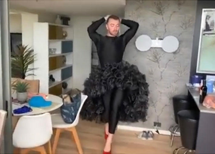 بالفيديو- سام سميث يستعرض كيف يرقص على أنغام جلوريا إستيفان
