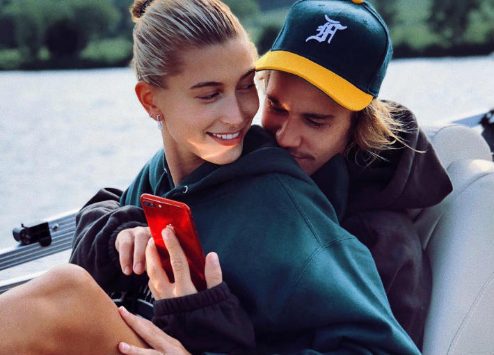 هيلي بالدوين تؤكد زواجها بجستن بيبر بتغيير اسمها على Instagram