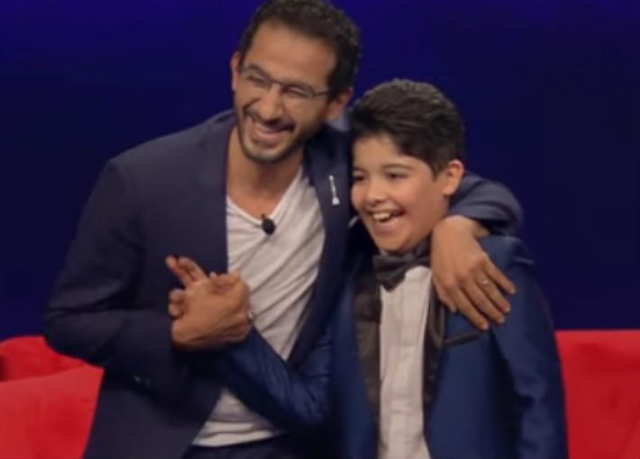أحمد حلمي والطفل يوسف