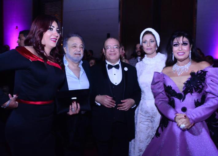 فيفي عبده مع صلاح عبد الله ووفاء عامر