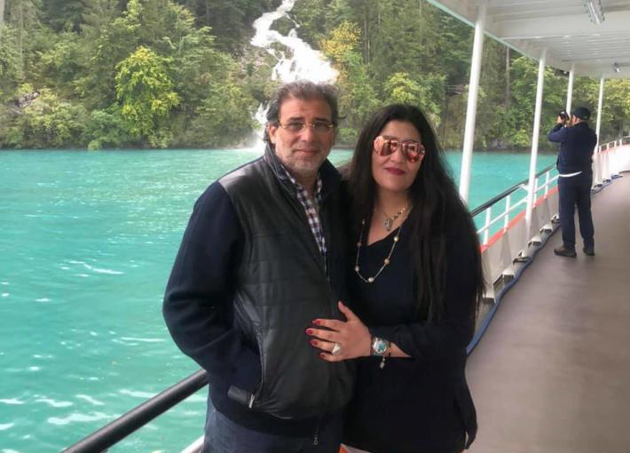 خالد يوسف وزوجته