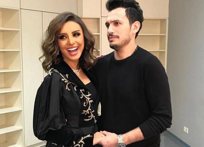أحمد إبراهيم وزوجته أنغام
