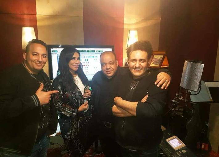 صورة من كواليس تسجيل الأغنية