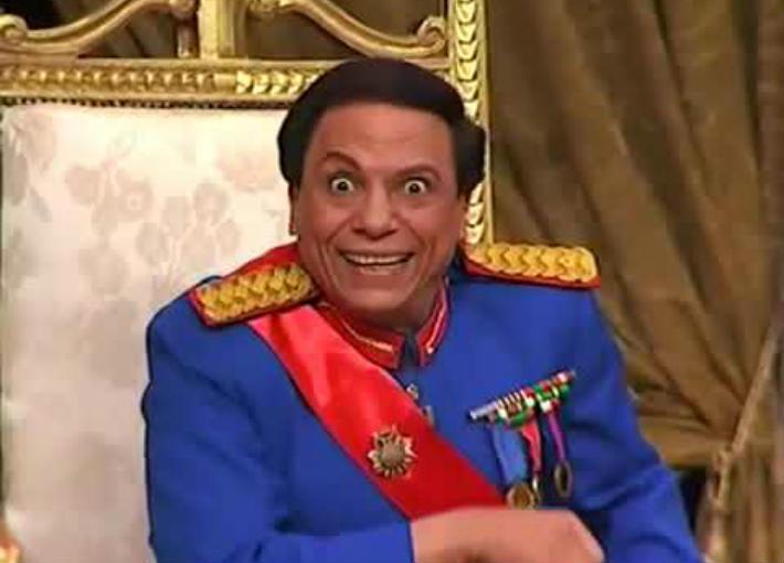 """عادل إمام في مسرحية """"الزعيم"""""""