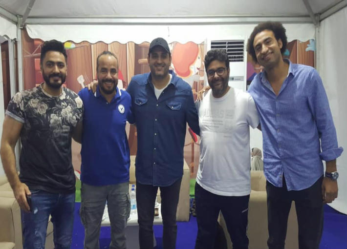 هل يجتمع تامر حسني وأكرم حسني مع وليد منصور من جديد؟