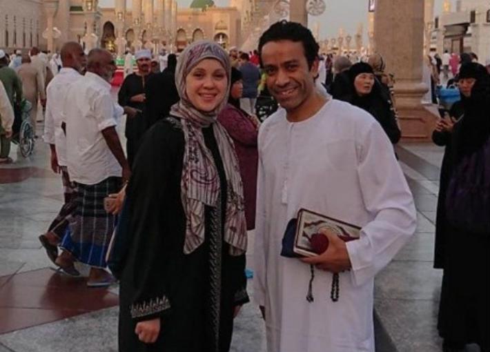 سامح حسين وزوجته وسام حامد