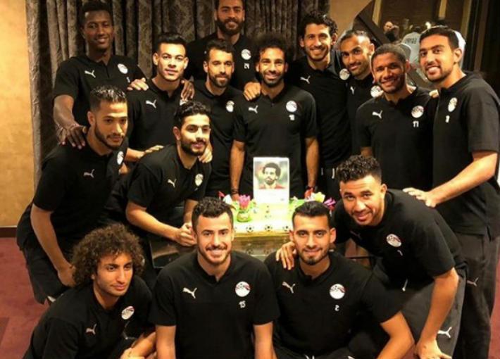 محمد صلاح اثناء الاحتفال بعيد ميلاده