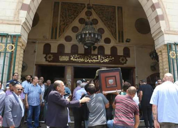 جنازة عزت أبو عوف
