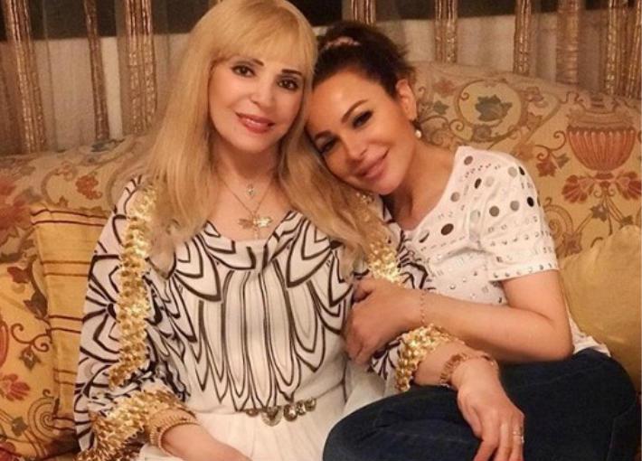سوزان نجم الدين ووالدتها