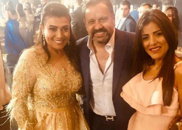 إدوارد ونشوى مصطفى من حفل زفاف ابنها
