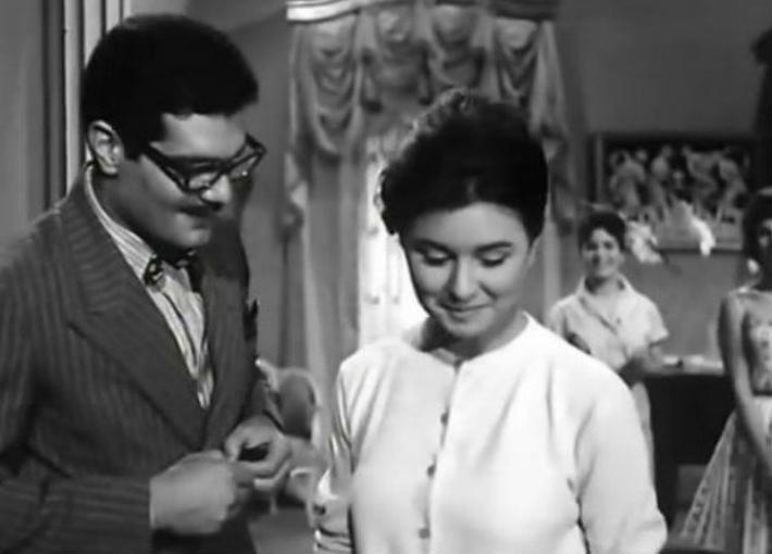 """سعاد حسني وعمر الشريف في فيلم """"إشاعة حب"""""""