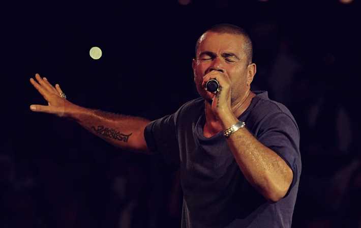 بالصور- تجهيزات حفل عمرو دياب في العلمين الجديدة