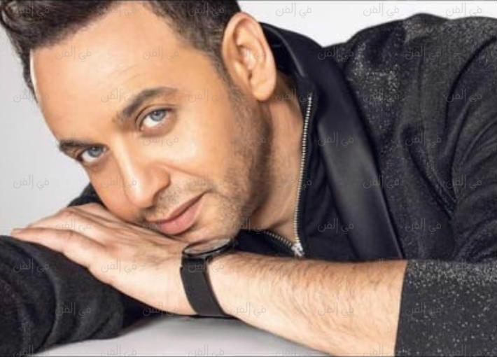 """بالفيديو- مصطفى قمر يشوق جمهوره لأغنيته الجديدة """"قفلت السكة"""""""