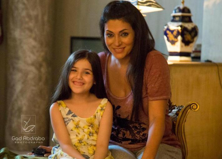 مايا نصري مع الطفلة ريم عبد القادر
