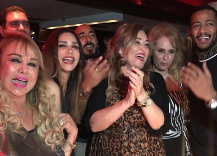 نهال عنبر من حفل عيد ميلادها
