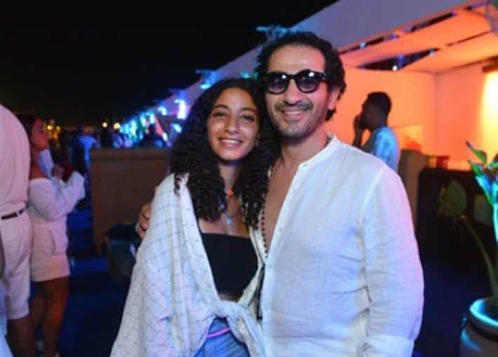 أحمد حلمي وابنته