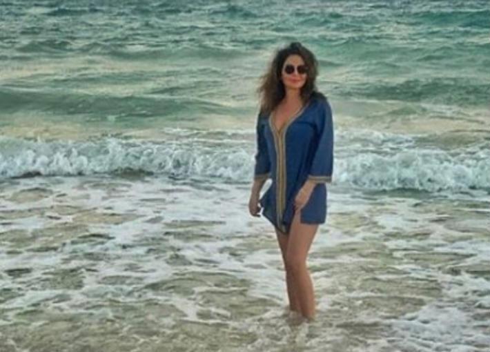 صورة- من وسط البحر... إليسا تستعد للبرد