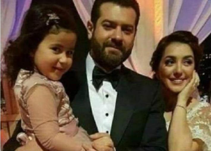 كندة وعمرو مع طفلة قيل أنها ابنة الممثلة الشهيرة