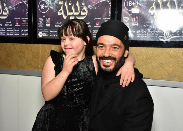 خالد النبوي والطفلة ميرنا