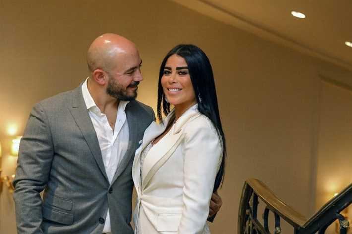 العسيلي وزوجته أمنية عبد المنعم