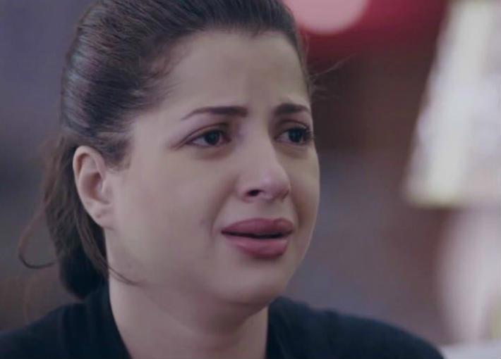 بالفيديو- منى فاروق تهدد بالانتحار: مش عارفه أعيش | خبر | في الفن