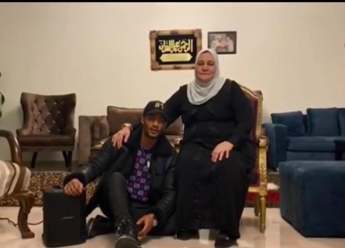 محمد رمضان ووالدته